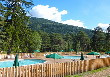 Zwembad, Camping Huttopia Bourg St. Maurice, Franse Alpen