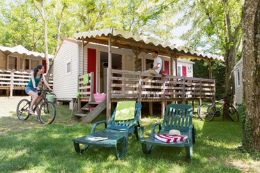Driekamerstacaravan Grand Confort, Camping Les Ranchisses, Largentiere