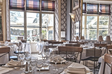Restaurant, Hotel France & Chateaubriand, Bretagne