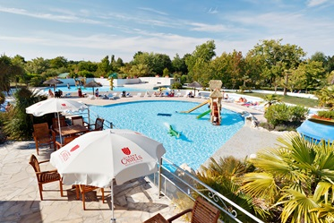 Terras, zwembad, Camping Séquoia Parc, Charente Maritime
