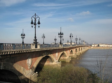 Pont de Pierre in Bordeaux.