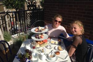 Een high tea in Londen