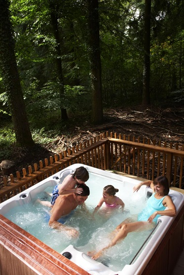Hottub, golden Oak Cabin, Sherwood Forest Holidays